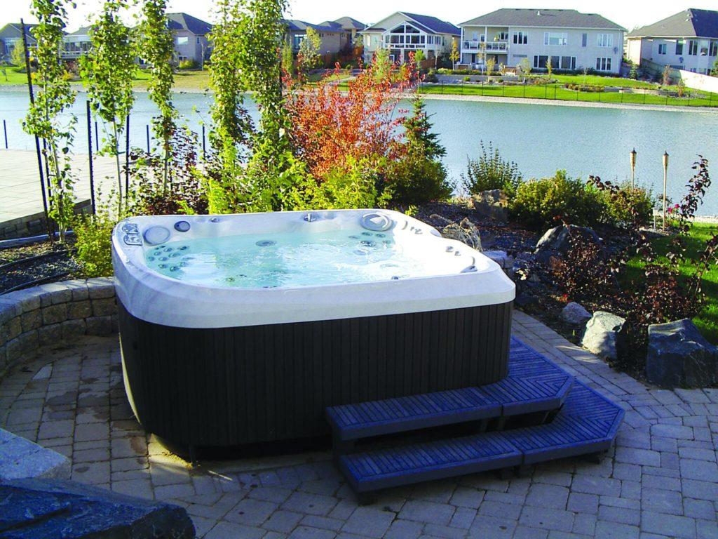 installation jacuzzi hot tub