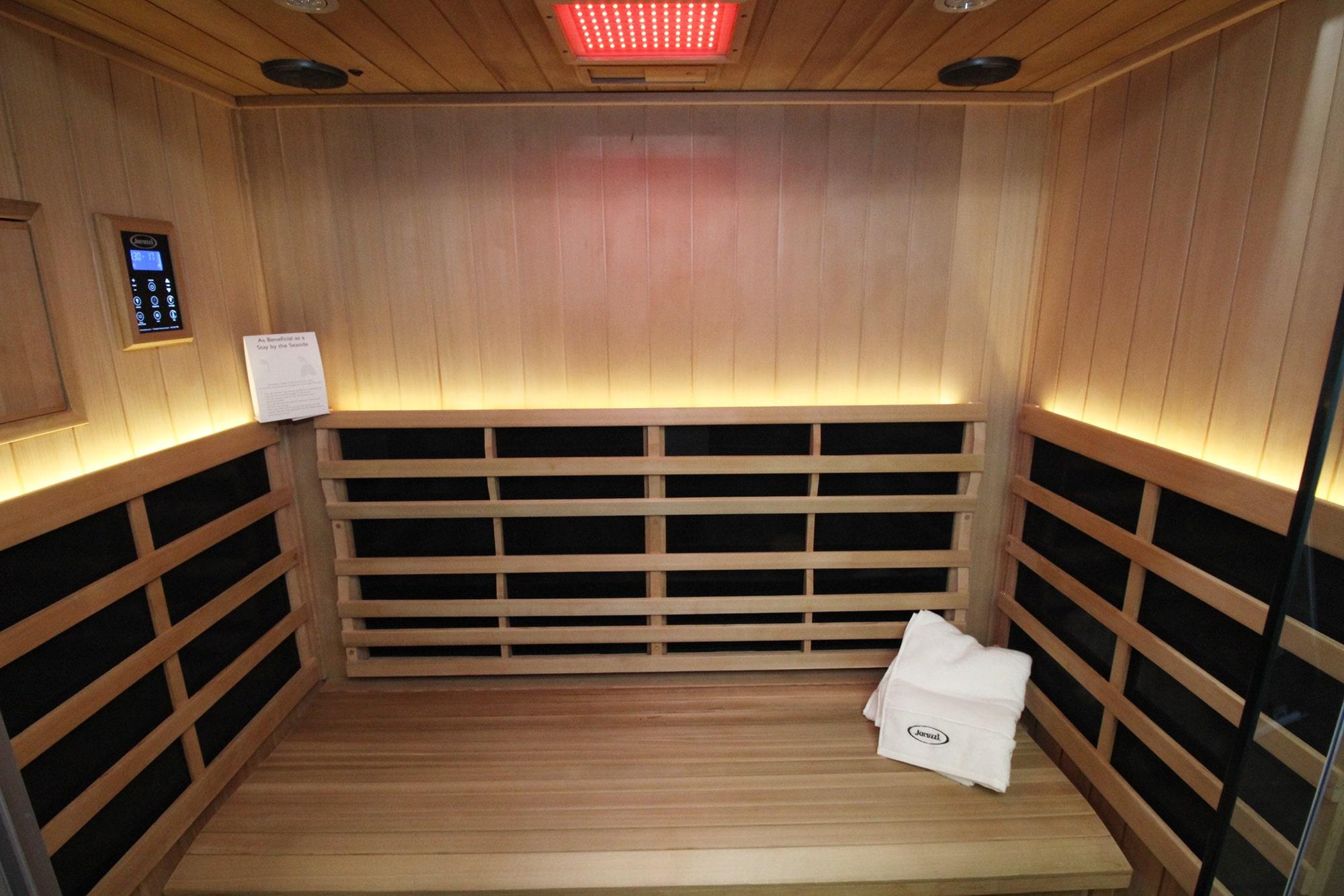 Jacuzzi Burlington Infrared Sauna