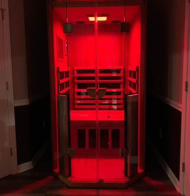 Jacuzzi Infrared Sauna Helps Hamilton Family to Relax